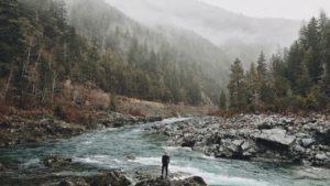 Άνθρωπος στο ποτάμι